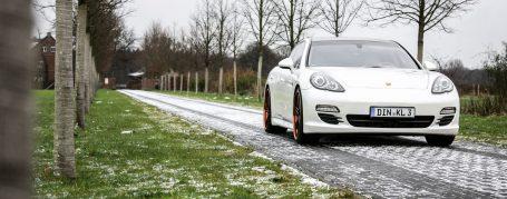 Porsche Panamera 970 4S - Folierung in Oracal Perlmutt Weiss Metallic