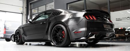 Ford Mustang VI GT 5.0 V8 - Folierung in Avery Brushed Black SW 900-193-X