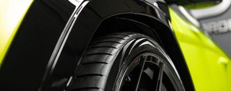 Lamborghini Urus - Folierung in PWF Matt Lizard Lime CC 4170